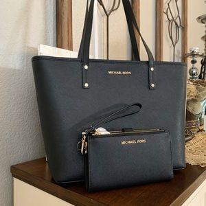 New MK black set 🖤 tote & double zipper wallet